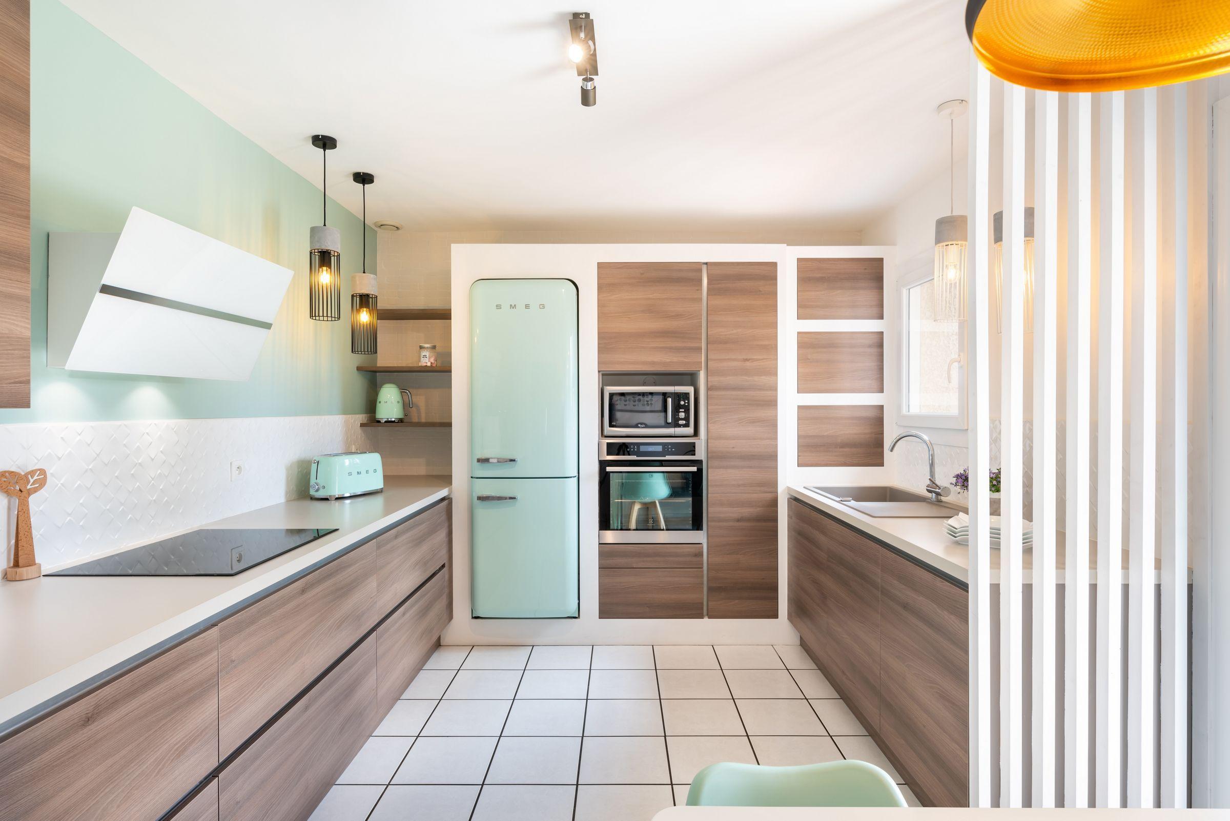 cuisine contemporaine et design avec un