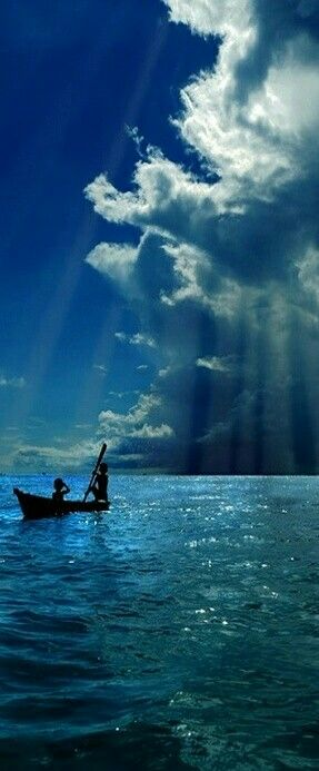 """'Vendo onde eles (Noé, Ló, Davi, Salomão, Paulo, Pedro...) lutaram e caíram, onde se animaram outra vez e venceram pela graça de Deus, somos animados a avançar e passar por cima dos obstáculos que a natureza degenerada coloca em nosso caminho⚡.'   """"A Saga de Jonas"""" - Missionários. Lição Esc. Sab. e coment., 18 a 25 de julho/2015. adap.  Boa tarde! Viva, com Esperança! ☀"""