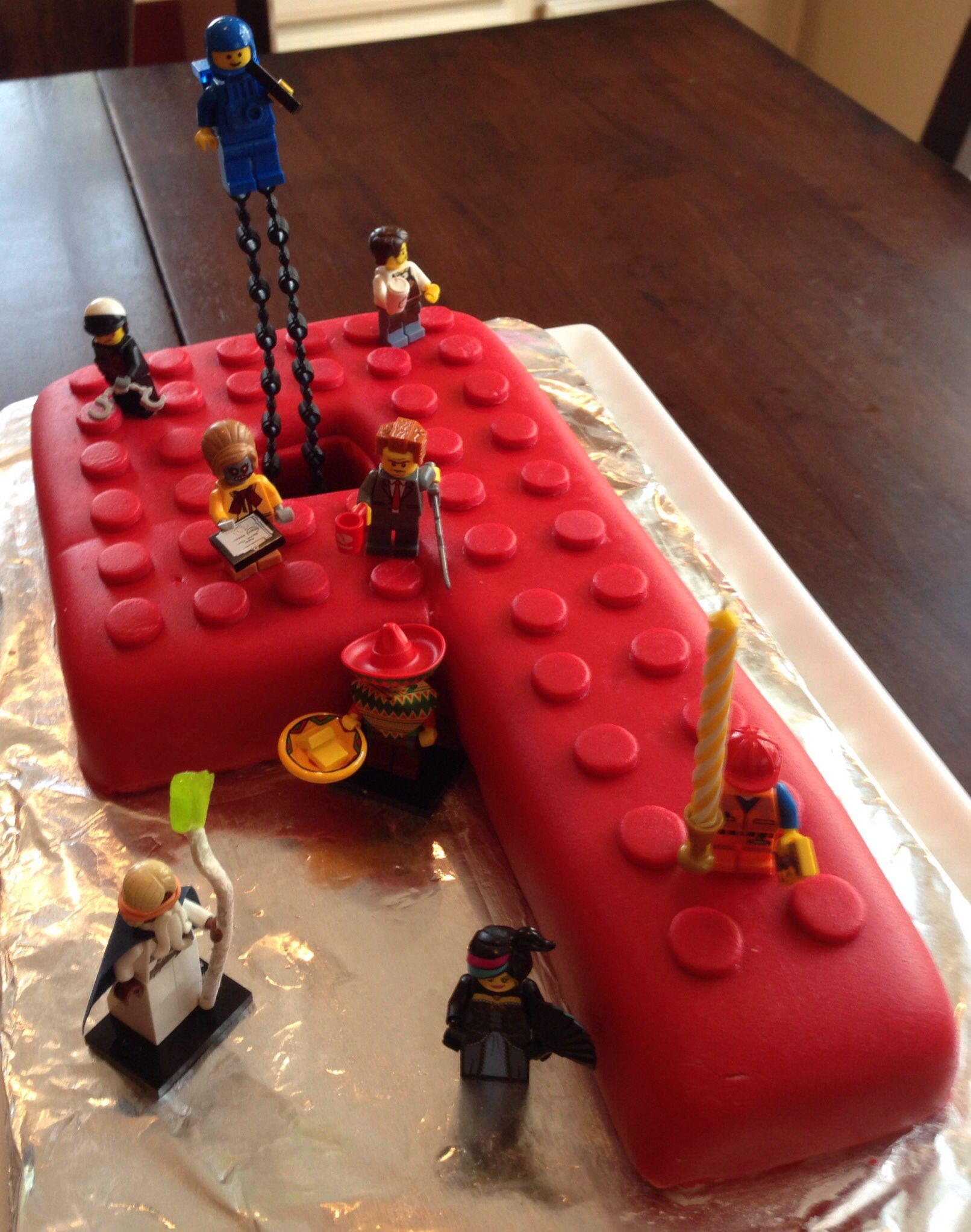 Lego movie birthday cake party 9 san pinterest - Film para cocinar ...