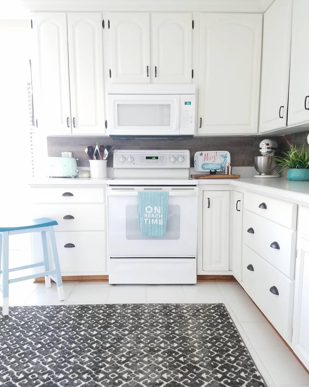 Painted Kitchen Cabinets Sherwin Williams Pro Classic Alabaster Kitchen Paint Kitchen Cabinets Painting Kitchen Cabinets