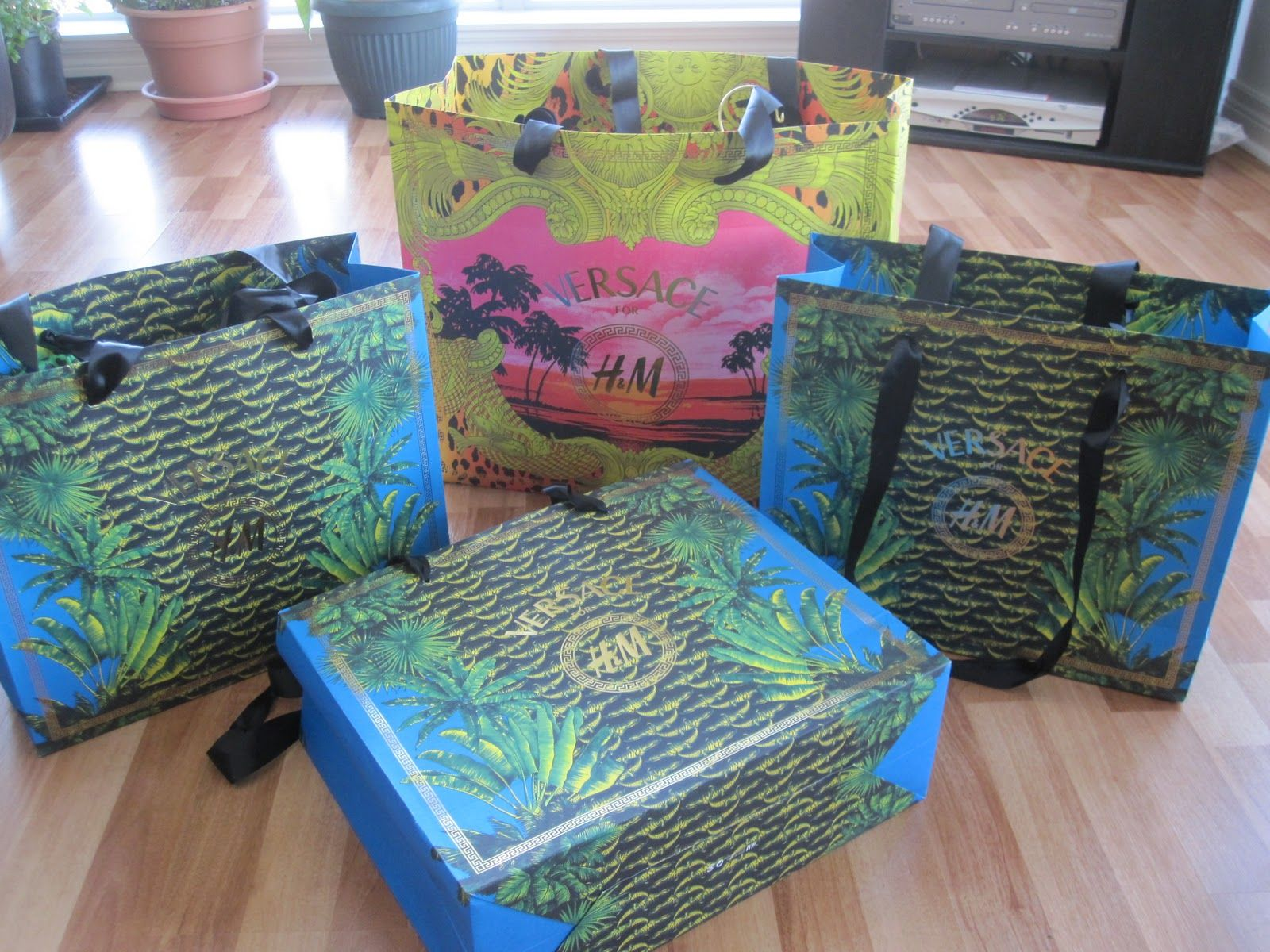 Versace branded shopping bags luxury wraps gift bags