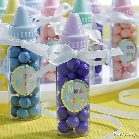 try using favor kits to prepare baby shower favors for guests, Baby shower invitation