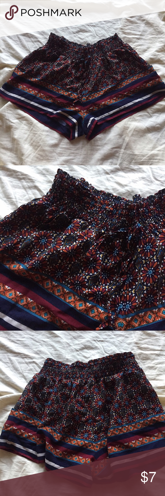 Patterned shorts 🍒 Draw string shorts. Nice material. Comfortable. Never worn. Shorts