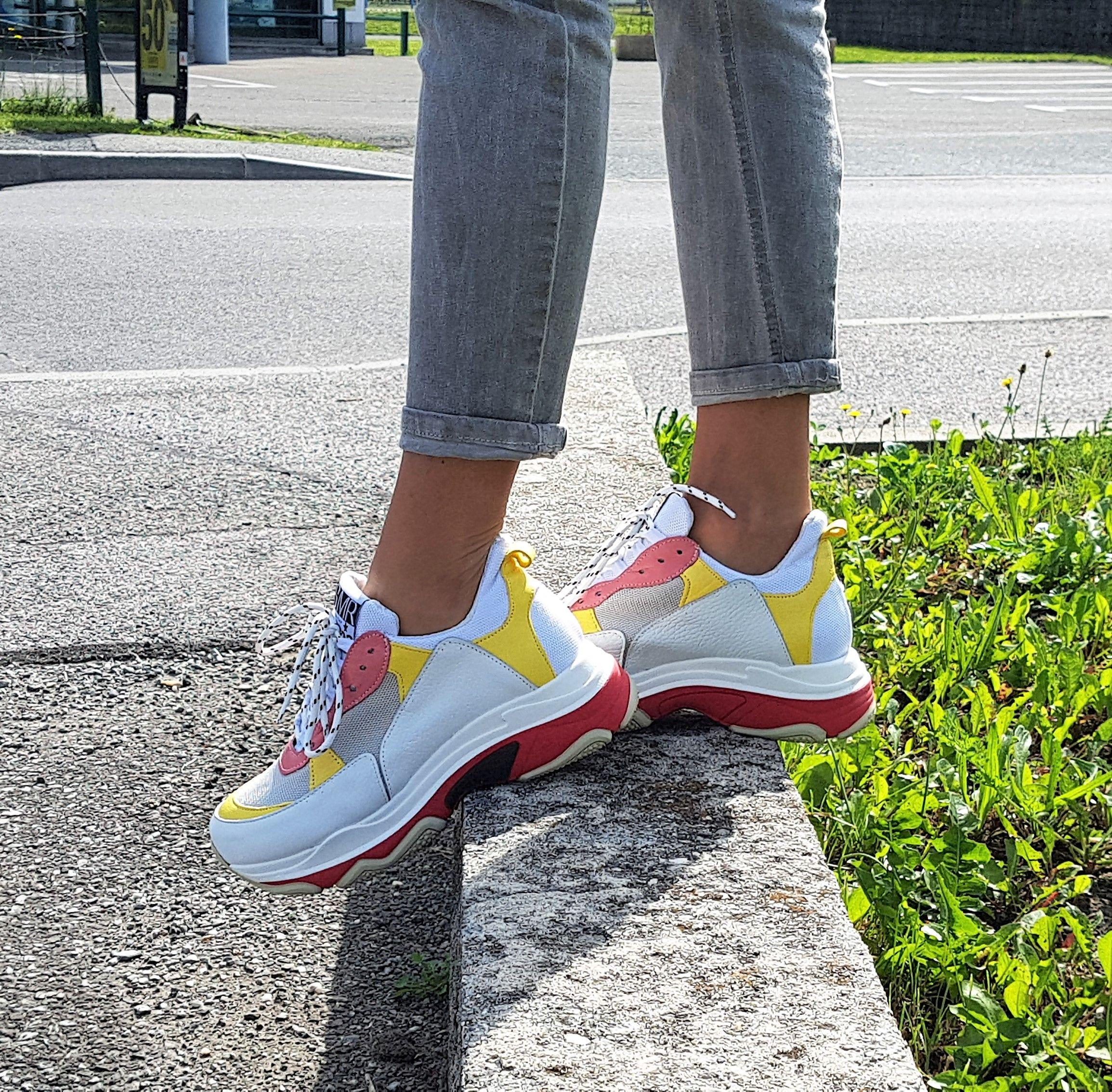 aaec65927ec7 ... La mode des #basketsxxl arrive chez Semerdjian ! On adore les couleurs  et la maxi semelle ! #semerdjian #dadsneakers #uglysneakers #shoes #ootd  #SMR