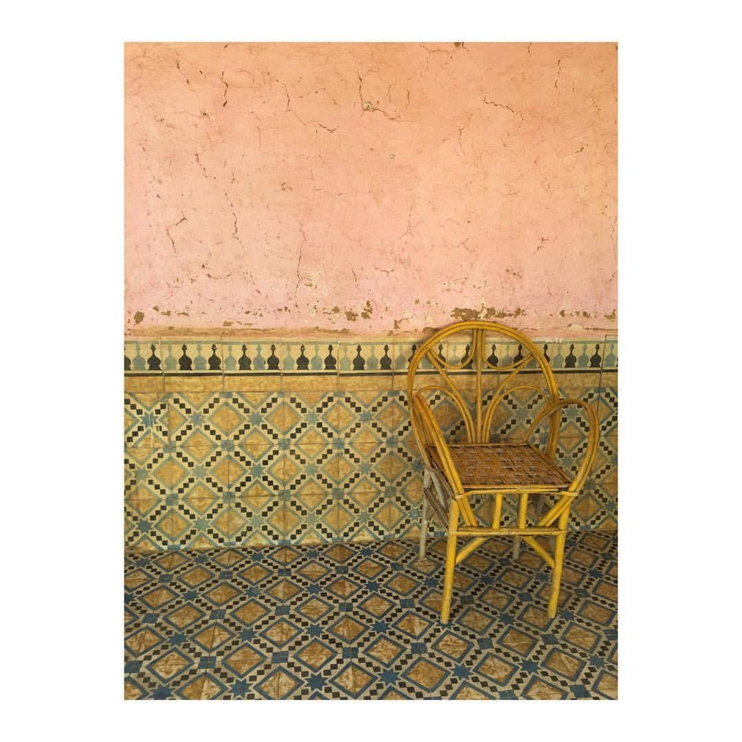 ext rieur oriental patio marocain carrelages fauteuil si ge du monde afrique du nord. Black Bedroom Furniture Sets. Home Design Ideas