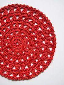 omⒶ KOPPA: Kukkaympyrällä maustettu terracotta trikoomekko