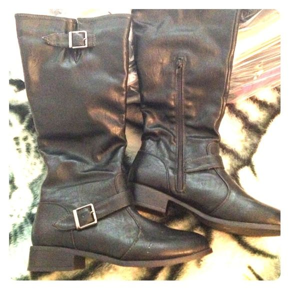 Black Motorcycle Boots Leather-like material. Come up a little below the knee when on. Small heel; approx. 1&1/2in. Round toe shape. Only worn ONCE! GREAT condition!!👌 Shoes
