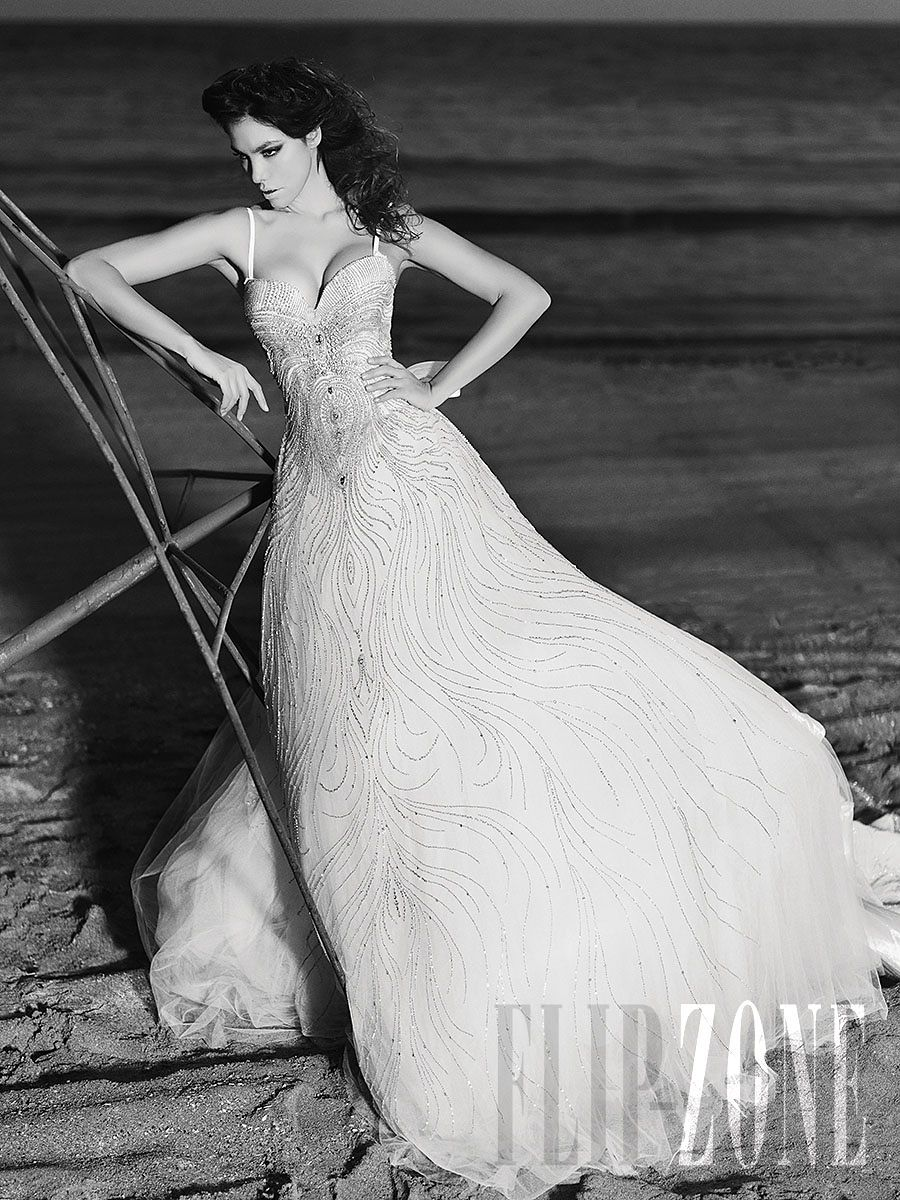 Julia Kontogruni - Bridal - 2013 collection - http://en.flip-zone.com/fashion/bridal/couture/julia-kontogruni