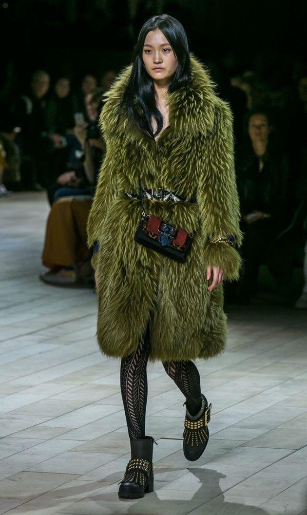 Barberi pokorio London: Pogledajte kako je izgledala ova fenomenalna revija | Moda | Žena