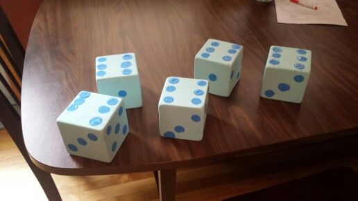Large yard dice