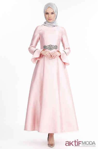 9b9d4e72c93eb ... Aktifmoda tarafından oluşturulan Abiye Modelleri panosunda  bulabilirsiniz. Saten Tesettür Abiye Elbise Modelleri 2019