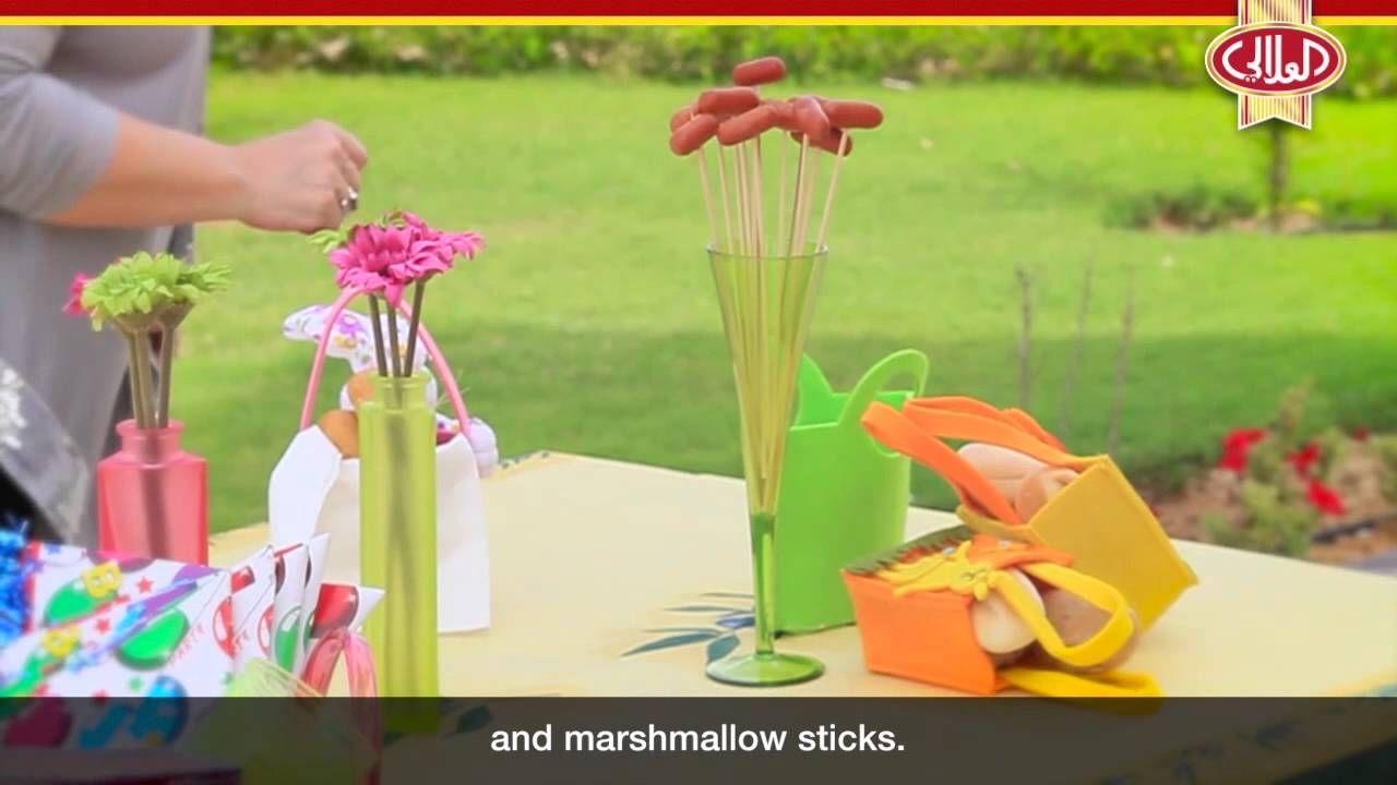 أساسيات ترتيب مائدة الطعام وإتيكيت الضيافة طريقة ترتيب بوفيه عيد الميلاد Marshmallow Sticks Marshmallow Desserts