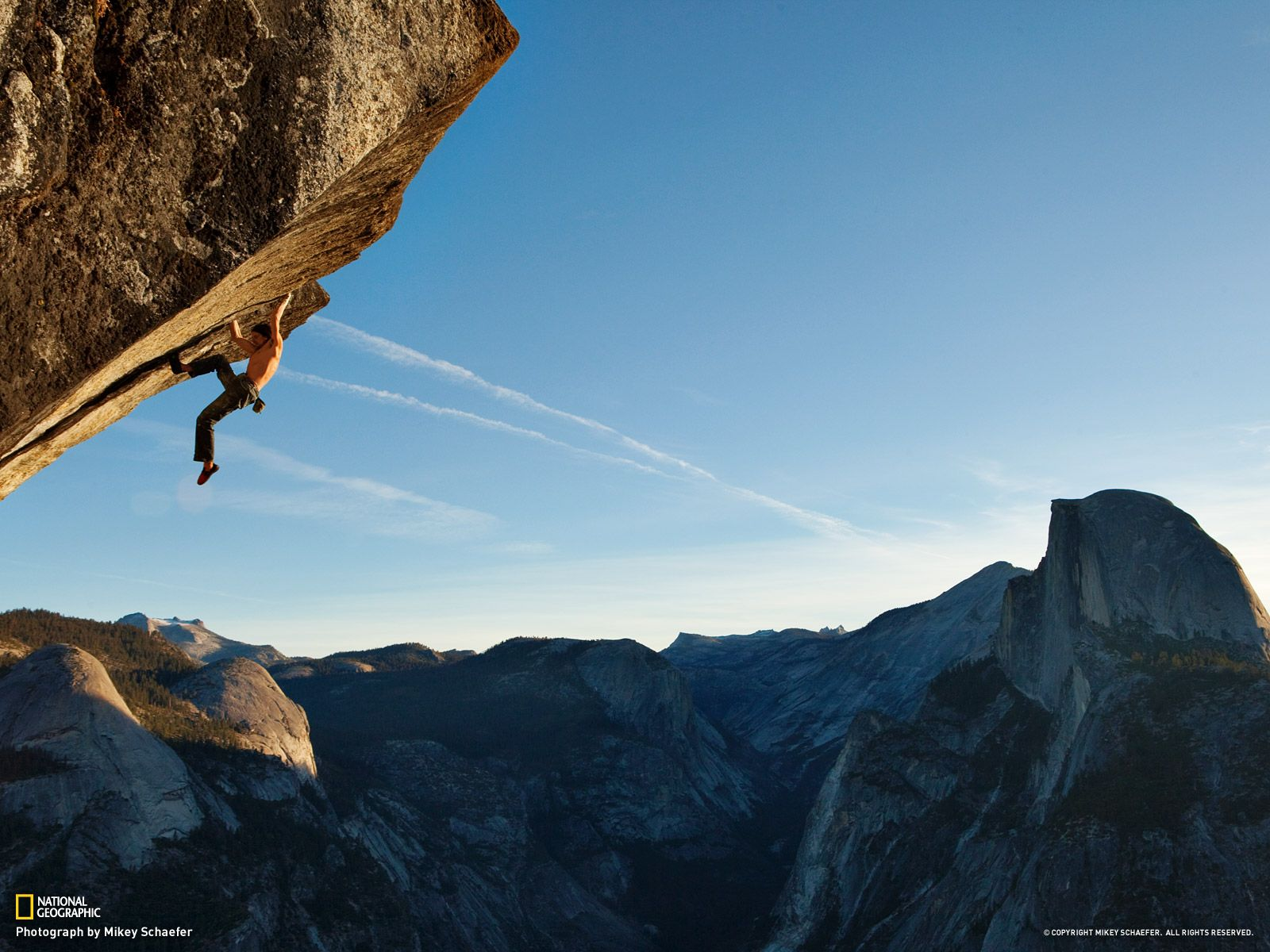 Dean Potter free soloing Heaven, 5 12d, near the top of