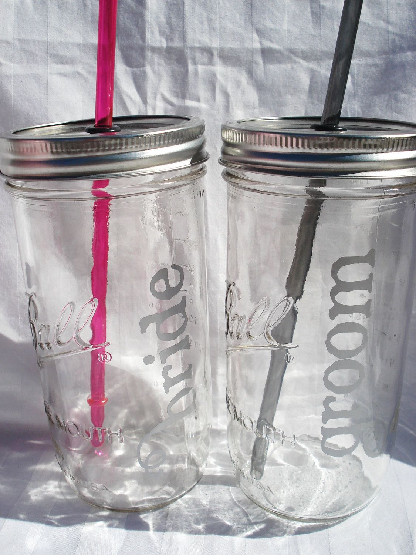 I LOVE THIS: Bride and Groom Wedding Mason Jars. Sooo mad ...