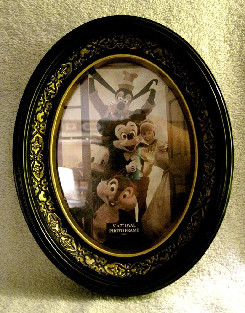 """BEAUTIFUL - DISNEY - RARE - MICKEY MOUSE - 5"""" X 7"""" - OVAL WALL PICTURE FRAME"""