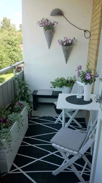 20 Adding Minimalist Garden On Your Balcony Eweddingmag Com Minimalist Garden Balcony Decor Apartment Balcony Decorating