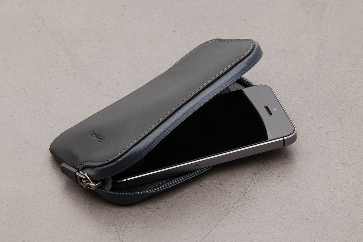 timeless design 0cd0b 3c61d Pin by lily lola on leather product and bagy | Iphone 6 waterproof ...