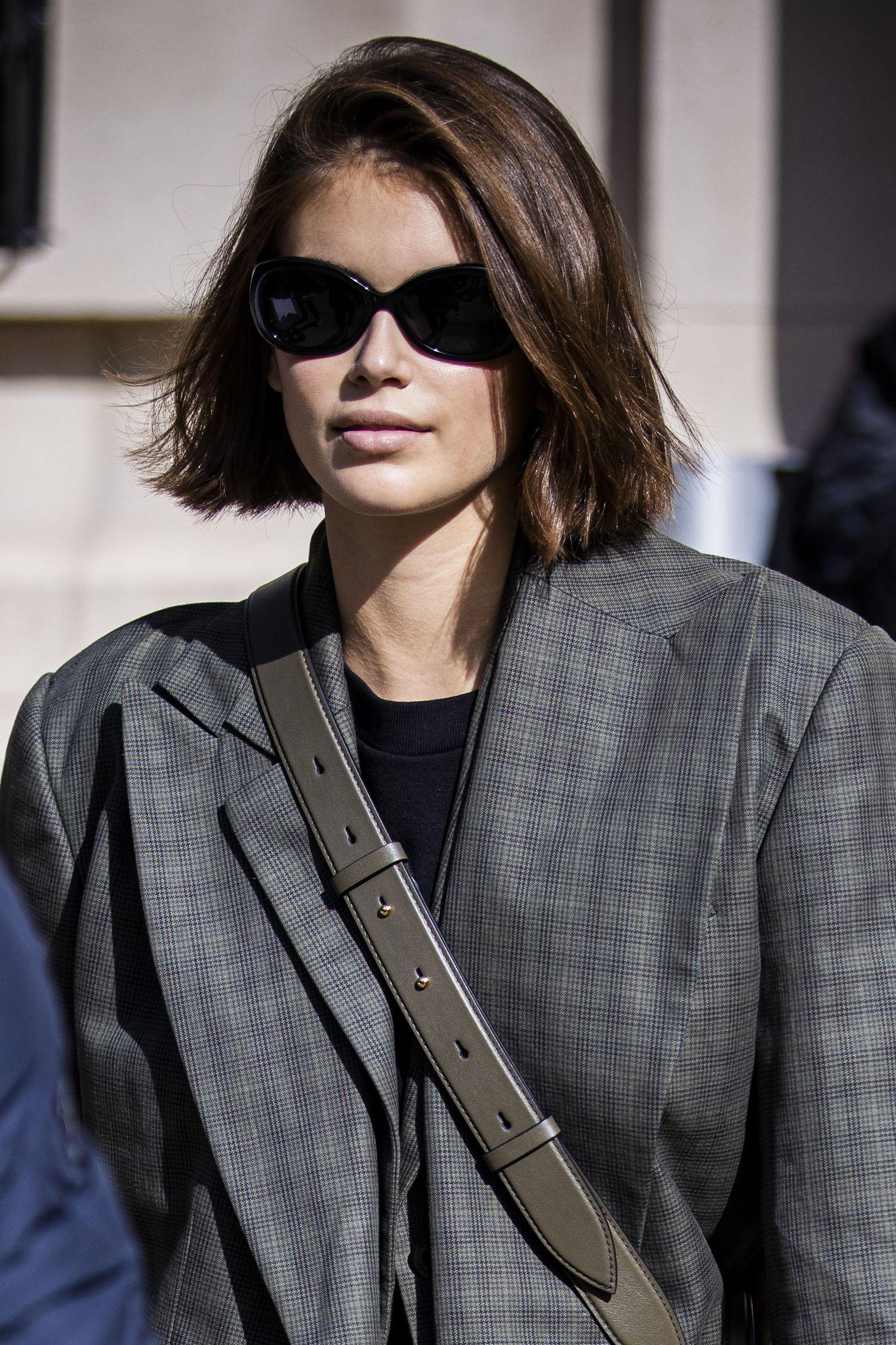 Kaia Gerber si taglia (ancora) i capelli e il suo è il taglio corto definitivo dell'Inverno 2020