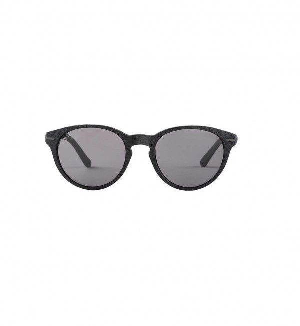 These sunglasses are for oval,round or heart shaped faces.