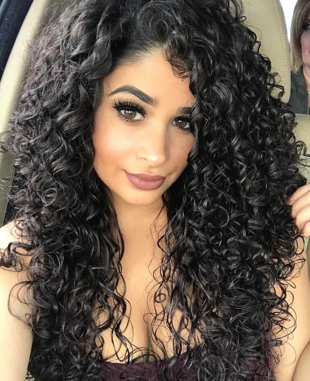 pin von sylvia rabe auf pretty woman pinterest lockige haare frisuren f r lockiges haar und. Black Bedroom Furniture Sets. Home Design Ideas