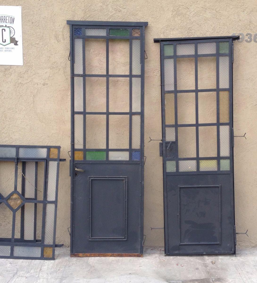 Elcarreton puertas de hierro antiguas vidrio repartido for Modelos de puertas de hierro con vidrio