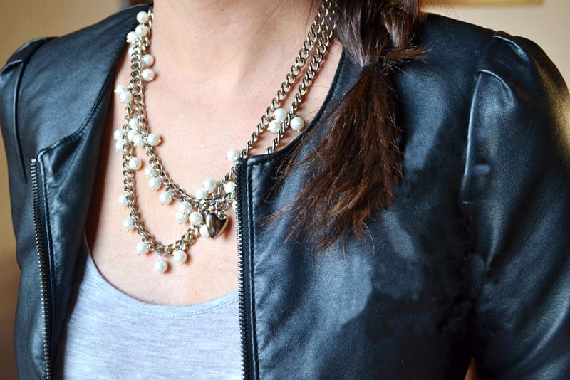 full_Unique-necklace-designs-how-to-create-a-long-pearl-necklace-out-of-chain.jpg (800×534)