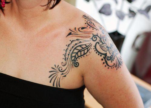 Stylish Shoulder Tattoo Designs For Women Feminine Shoulder Tattoos Tribal Shoulder Tattoos Shoulder Tattoos For Women