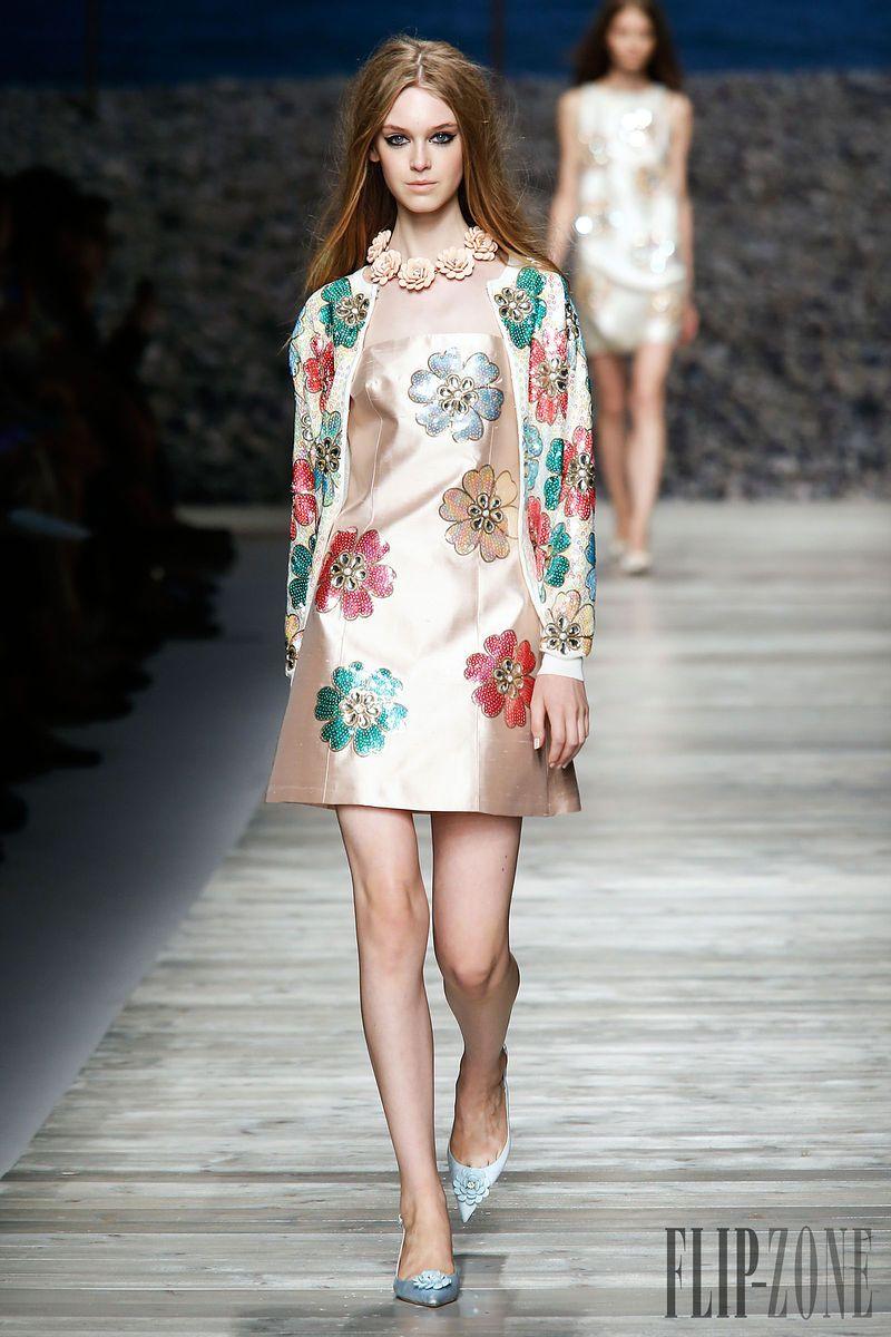 Blugirl - Ready-to-Wear - Spring-summer 2014 - http://www.flip-zone.net/fashion/ready-to-wear/fashion-houses-42/blugirl-4381 - ©PixelFormula