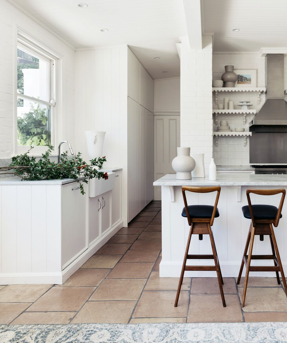 touch of modern in the stools this classic kitchen house tour on coco kelley also home with touches romance rh pinterest