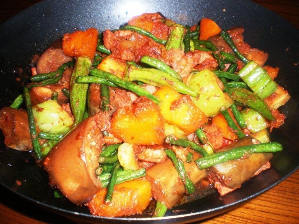 Pinakbet Recipe Tagalog Philippine Cuisine Pinterest Makaroni Rasa Banana Taro Pakbet Is A Tasty Vegetable Dish Made Up Of Different Fresh Vegetables Pork And Shrimp Paste This Variation The Popular