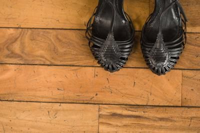 how to fix cracks in hardwood floors
