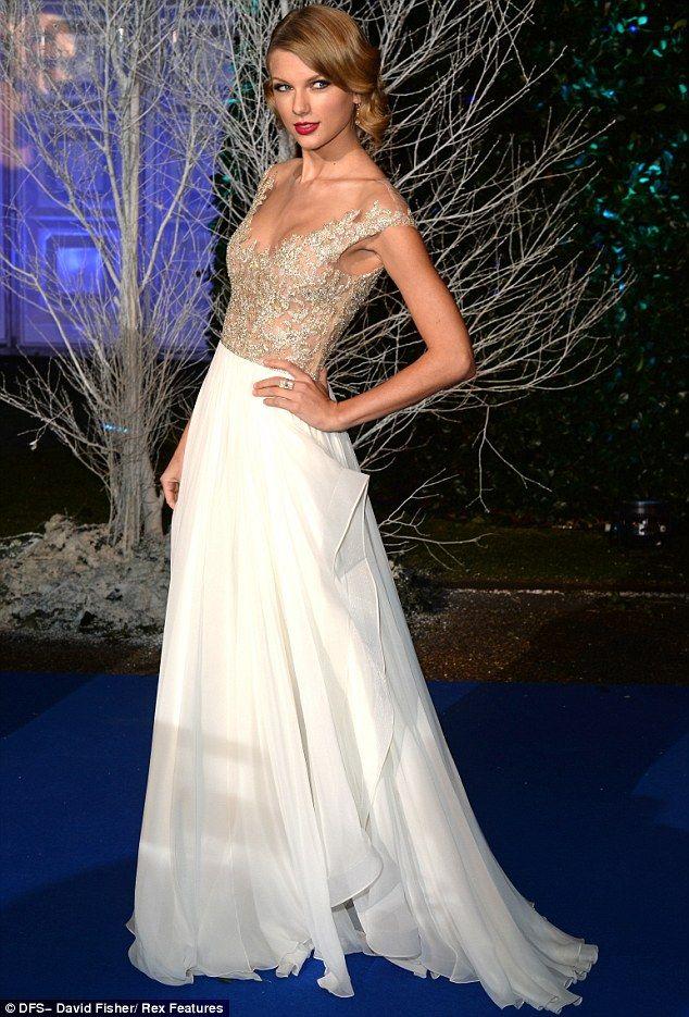 Taylor Swift has real-life princess moment | Gonne, Resort e Abiti ...