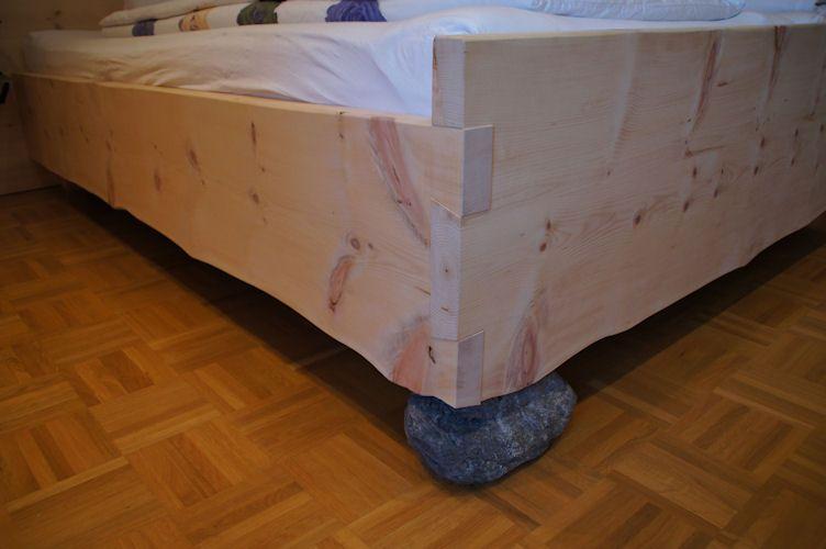 Schlafzimmer Aus Zirbenholz schlafzimmer ideen zirbenholz schlafzimmer modern doppelbett in
