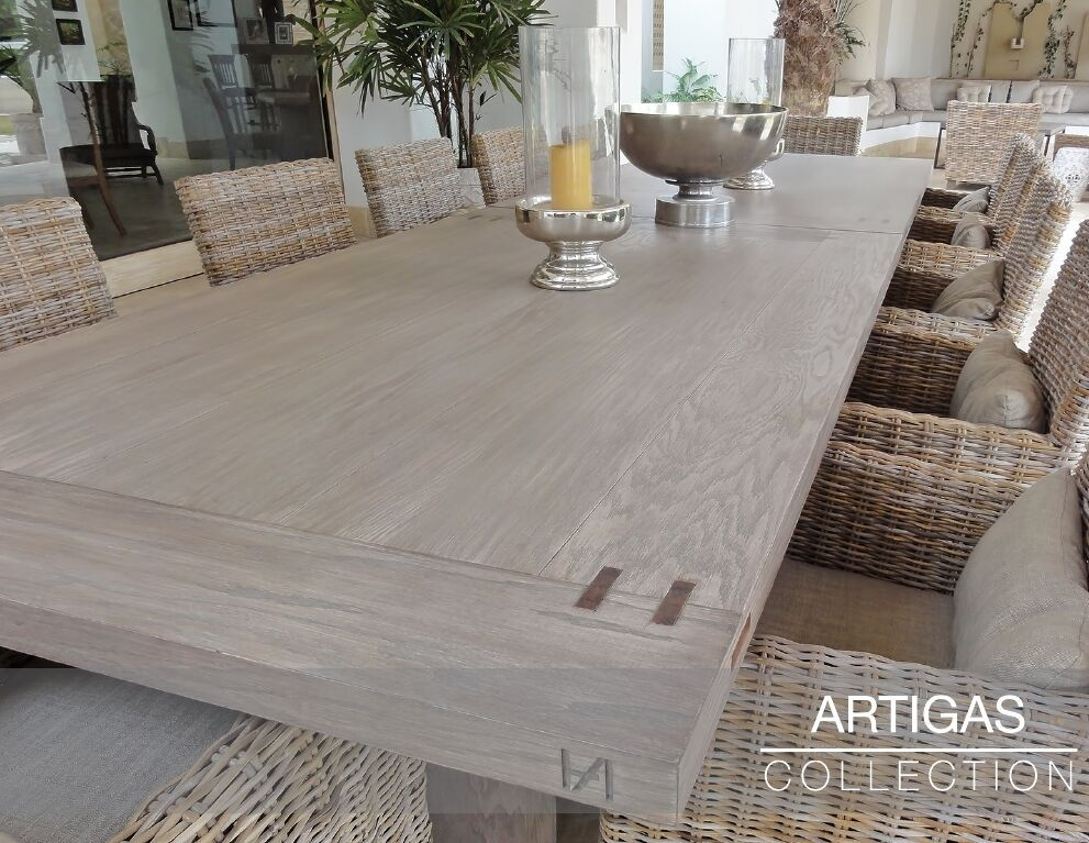 Artigas collection comedor de madera con sillas de for Decoracion de exteriores