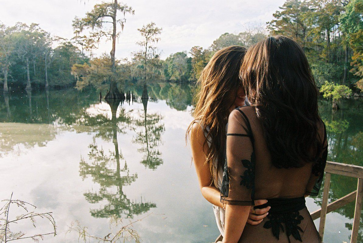 Lauren and Lucy Vives