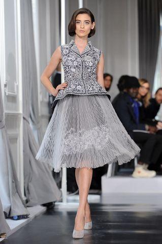 5e5b23f8c1e Robe de soiree longue dior. Christian Dior