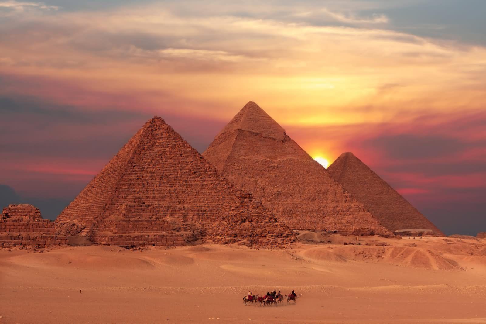 Imagen De Las Piramides De Keops Kefren Y Micerinos Piramides De Egipto Egipto Piramides De Egipto Dibujo