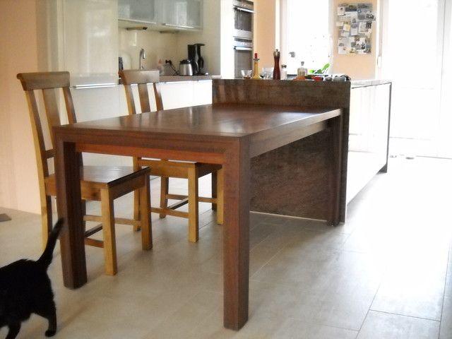 einseitig ausziehbarer Esstisch aus Massivholz Esstische