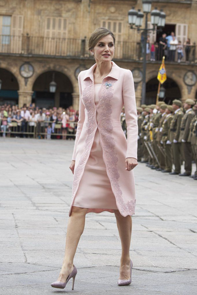 Halloween costume ideas to be Queen Letizia: Matchy-Matchy Letizia