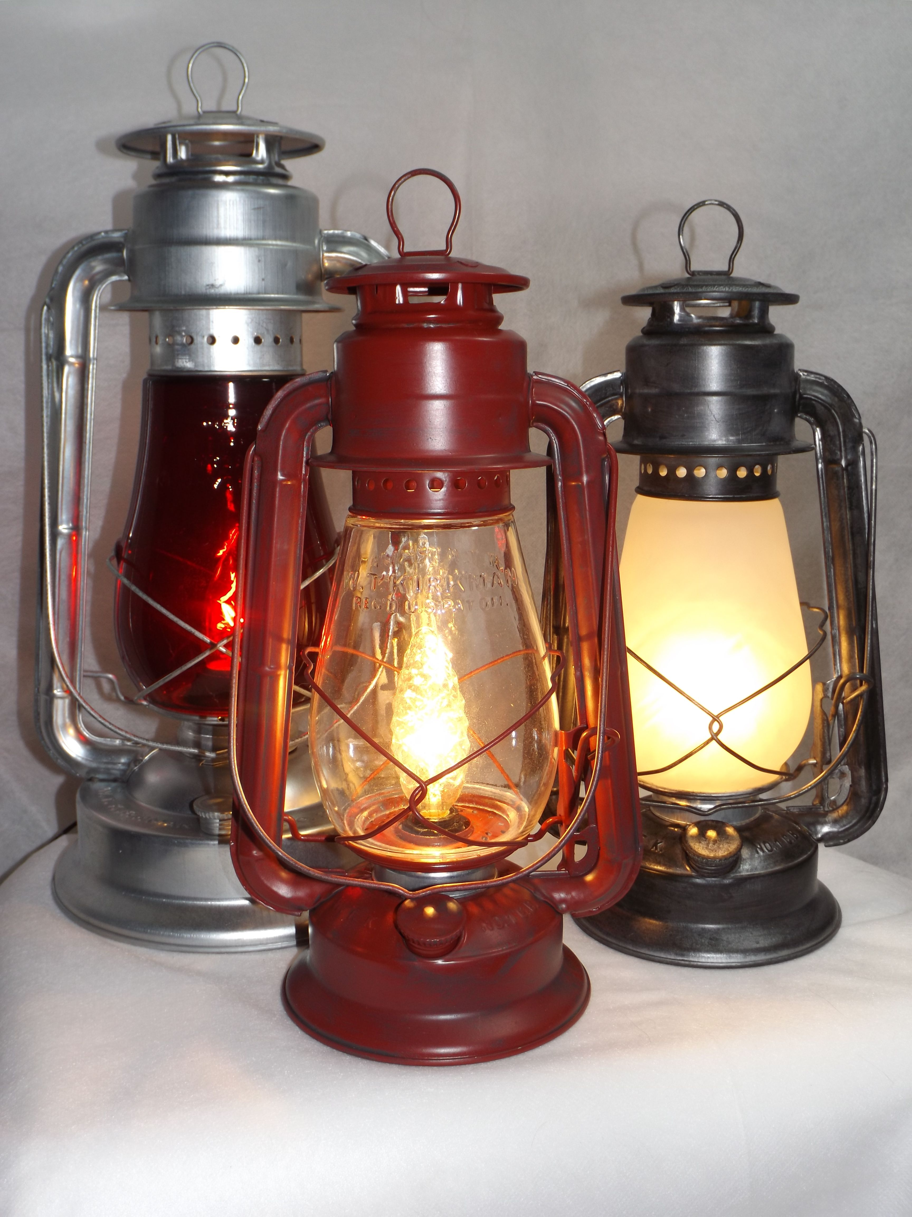 Just Plug Them In And Enjoy Www Bigrocklanterns Com Electric Lanterns Lantern Lamp Lantern Lights