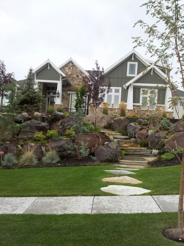 Beautiful Homes Of Instagram: Beautiful Craftsman Home. Love The Landscape.
