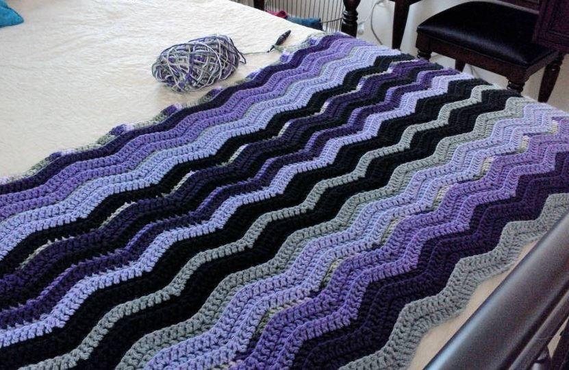 Restful Ripple Crochet Throw | Añil, Patrón libre y Colores