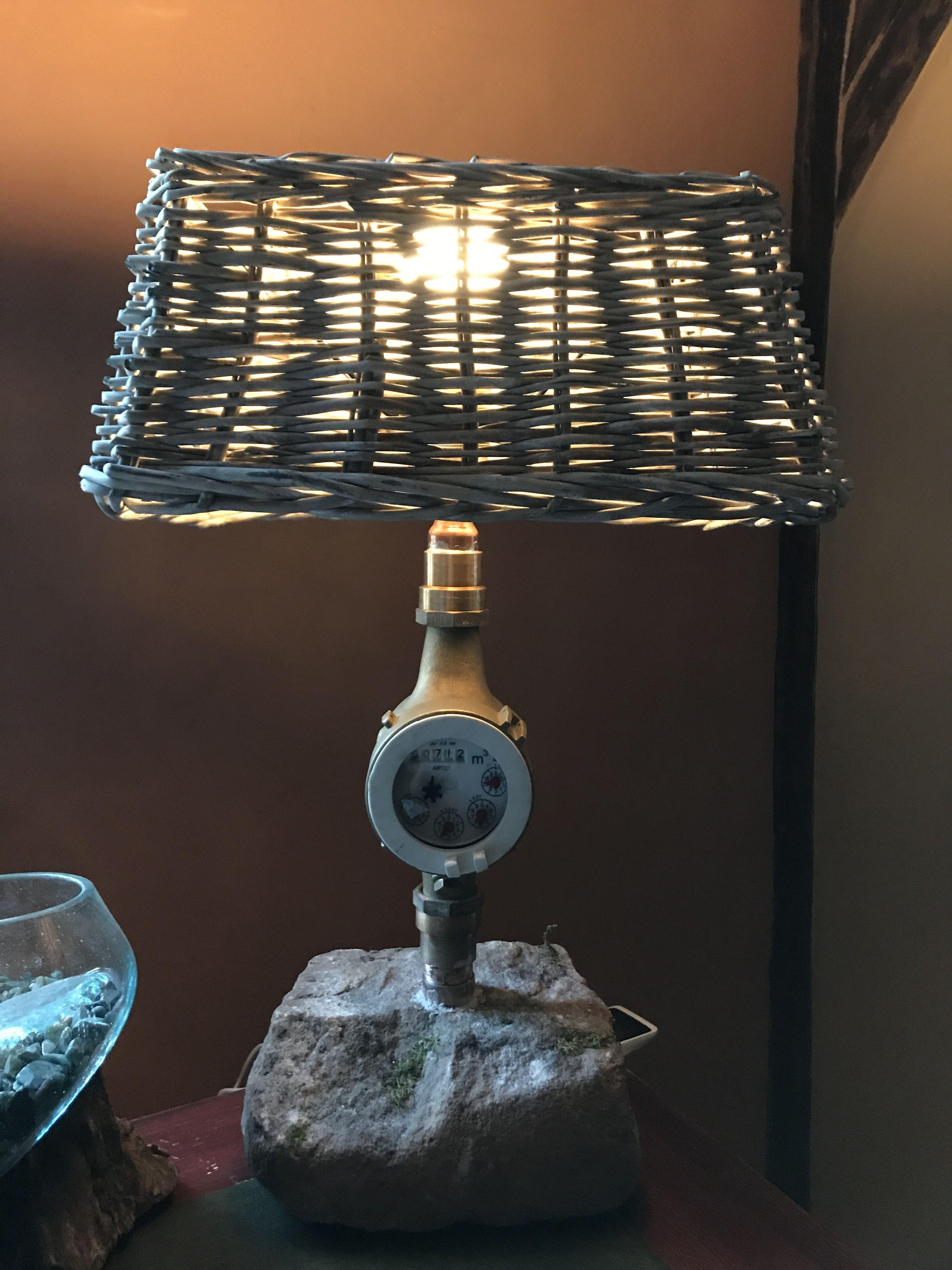 Schreibtisch Lampe aus einer Wasseruhr und der Fuß aus Sandstein ...