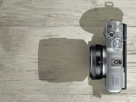 First Look: X-M1 with New Kit Zoom and Pancake Lens | Fuji