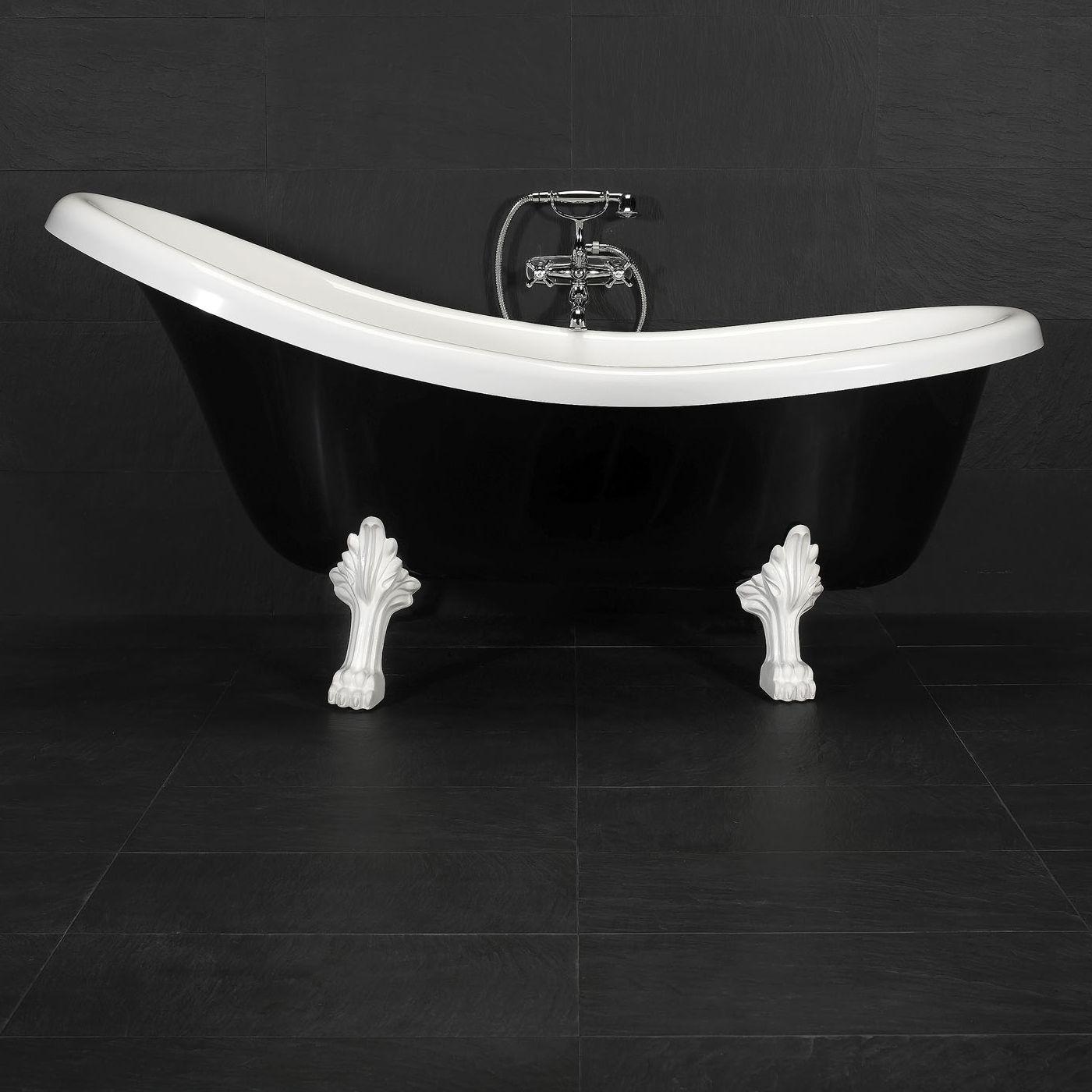 Klassinen tassuamme ripauksella modernismia. - Classic bathtub with a modern twist.