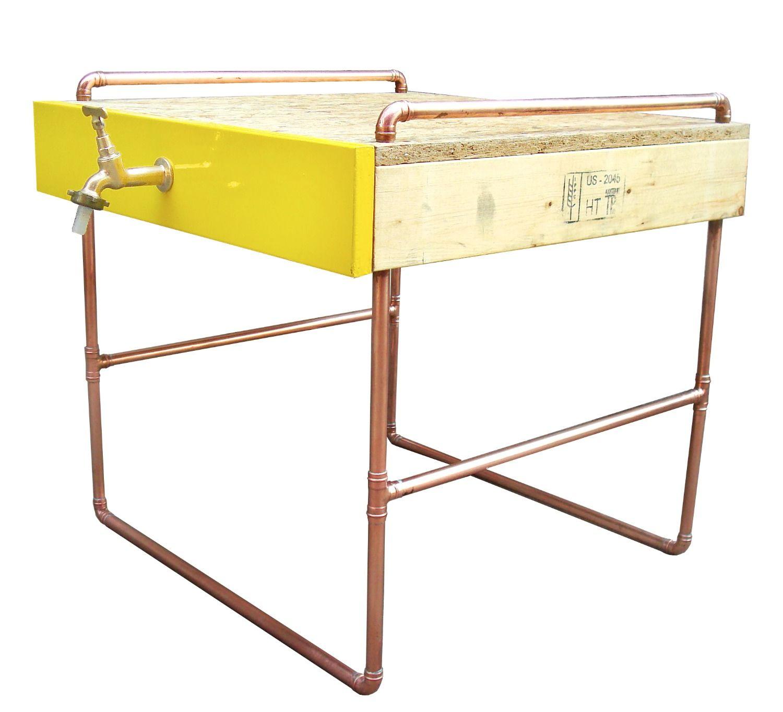 Mesa Compee | Compee Table | Design por Giácomo Tomazzi Studio | Cooper, OSB wood, glossy paint finish, cobre, sink, torneira