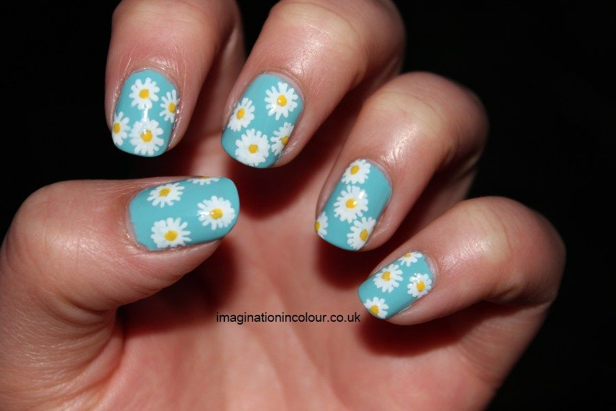 Daisy Nail Art Design see more designs on online nail dryer store ...