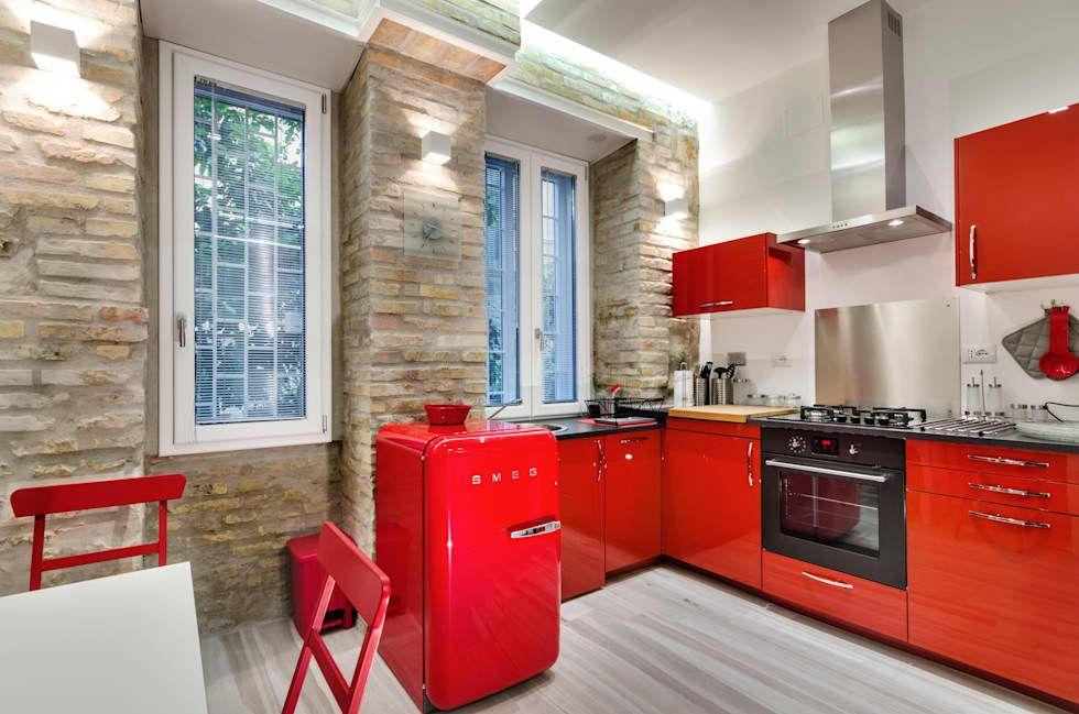 Foto di cucina in stile in stile moderno : suite medaglie d'oro | homify