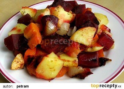 Pečená zelenina s červenou řepou a jablky recept - TopRecepty.cz