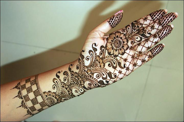 Simple Mehandi Cone Designs For Full Hands